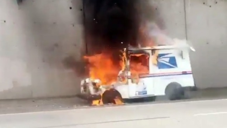 Truck Service Near Me >> Mail truck catches fire on I-580 in Oakland – Postal Times